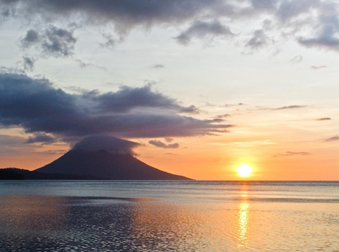 Indonesia, Siladen Sunset
