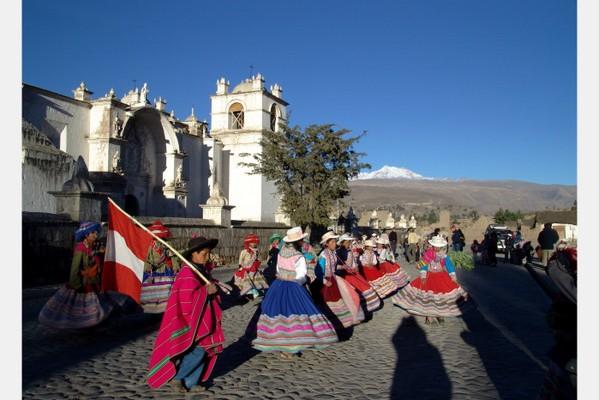 Peru-Dancers-1.jpg