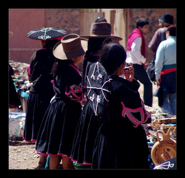 Peru-Women-market