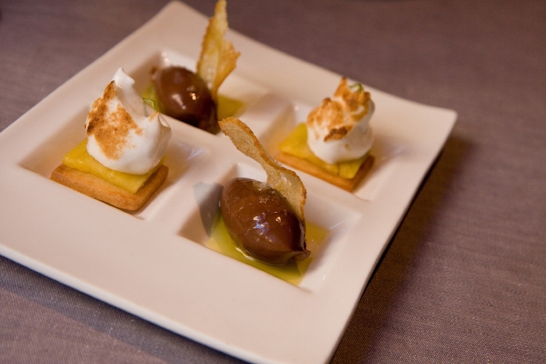 Bread, Oil, Chocolate, Salt, Sablee with Pineapple and Meringue, Comerc 24, Photo Garrett Ziegler
