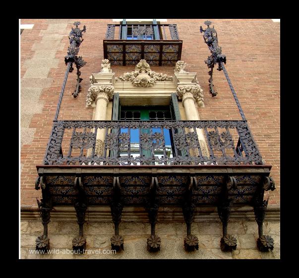 Barcelona-Modernism-balcony