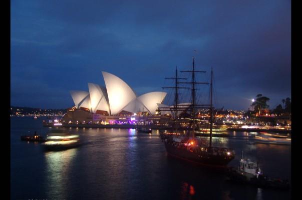 Sydney-Harbour-NYE20101.jpg