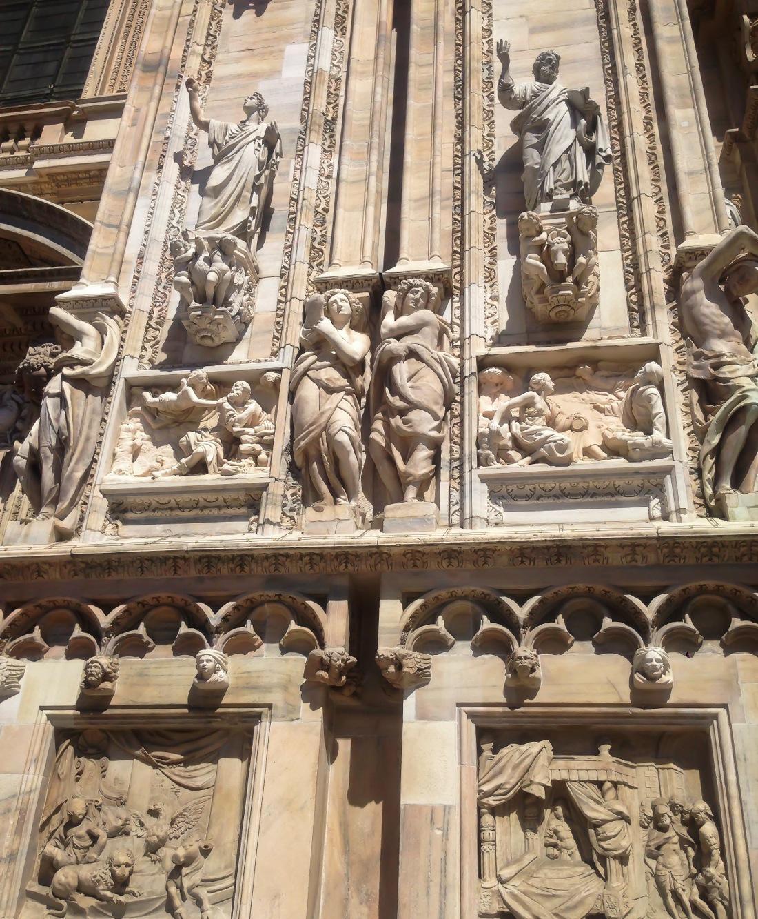 Milan Duomo, Sculptures
