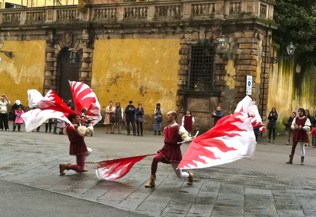 Flag-Wavers-Lucca