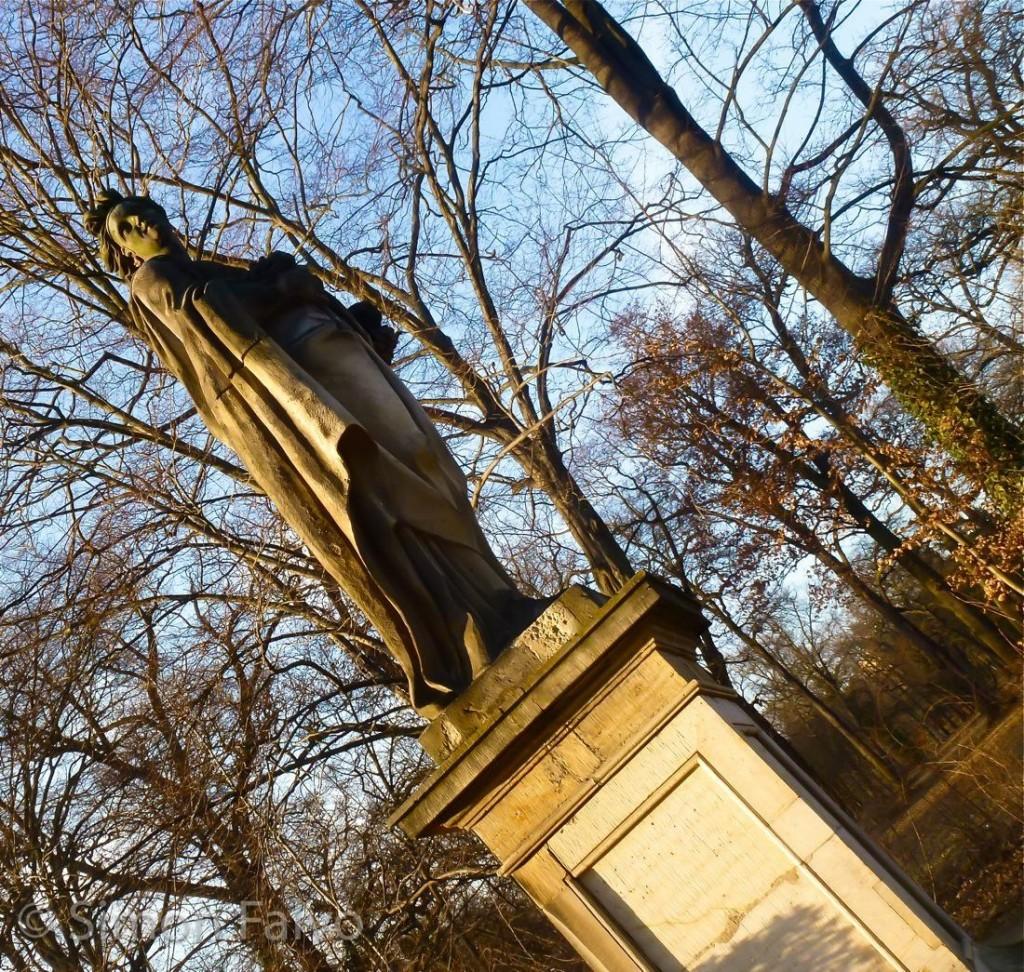Potsdam, Statue in Sanssouci Park