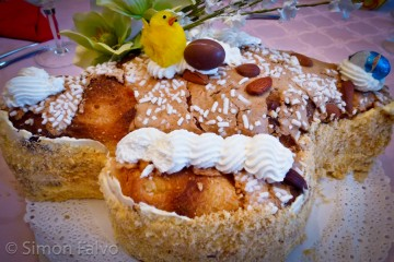 Traditional-Easter-Cake