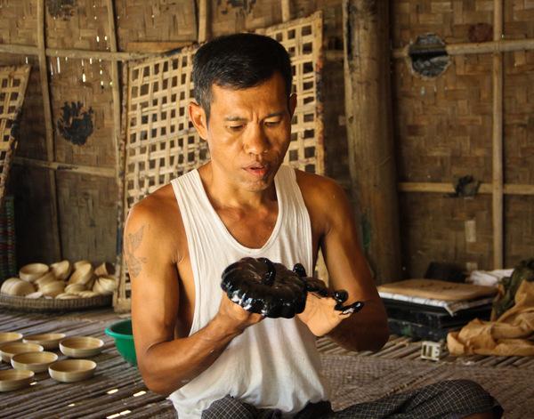 A Craftsman Making Lacquerware