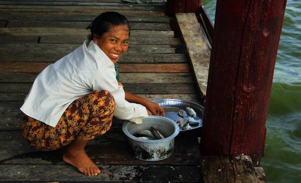 Smiling-Burma-Lady.jpg