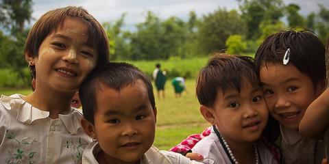 burma-smiling-children