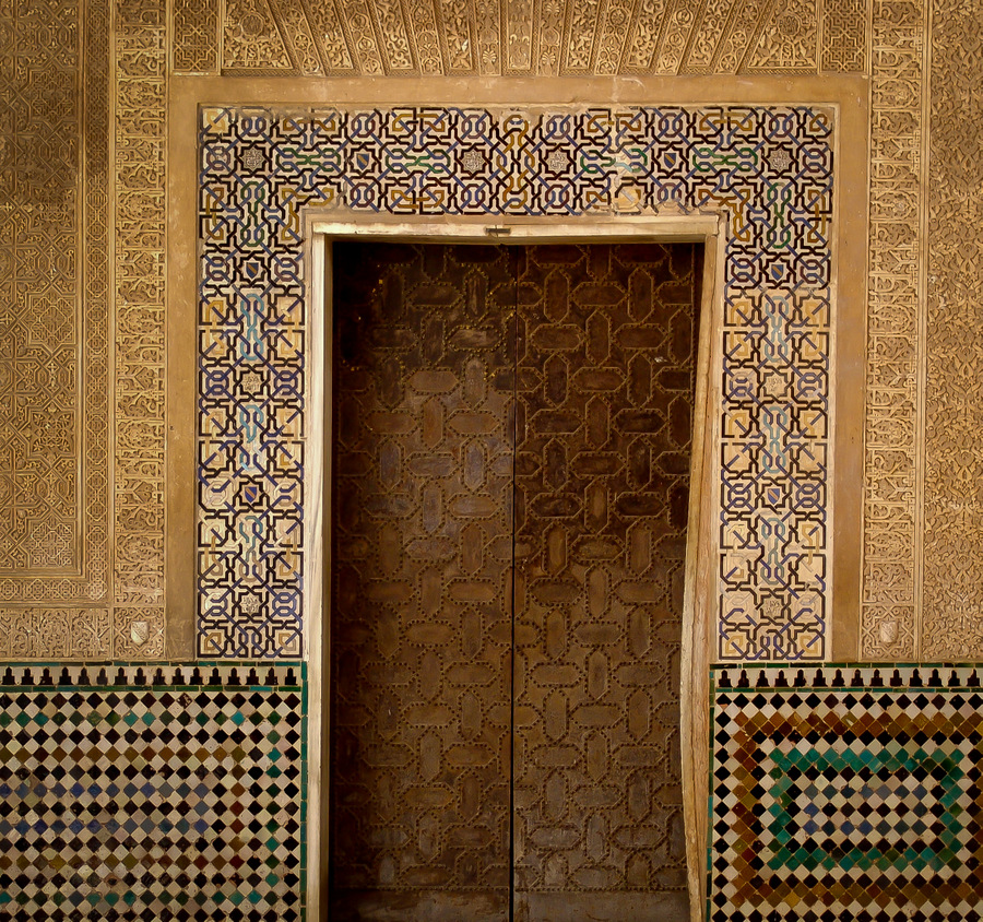 alhambra palace fine decorations