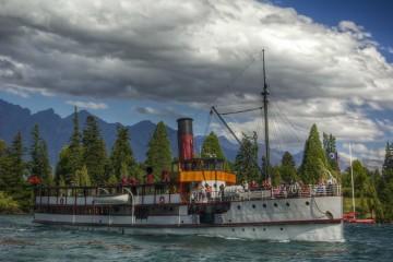 Lake-Wakatipu-Old-Steamboat