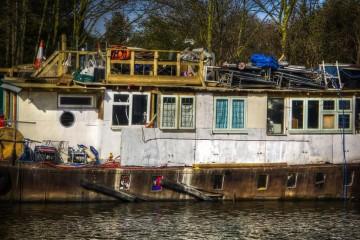 Thames-Old-Barge