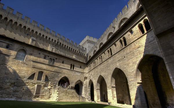 Avignon Palais des Papes, Benoit XII Cloister