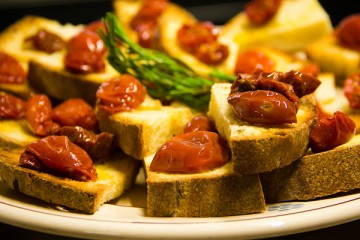 Bruschetta-with-Cherry-Tomatoes_opt-1