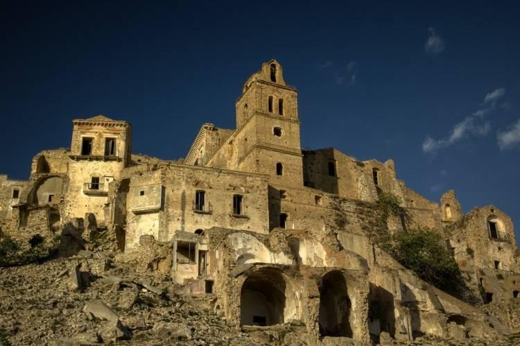 Basilicata, Craco Ghost Town