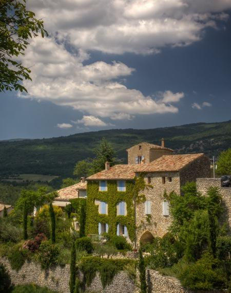 Aurel-Overlooking-the-Hills-of-Provence