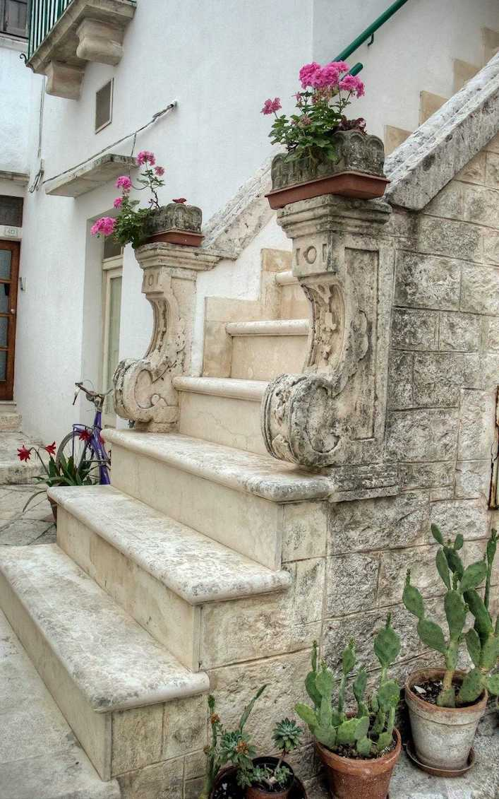 Locorotondo Lovely Staircase
