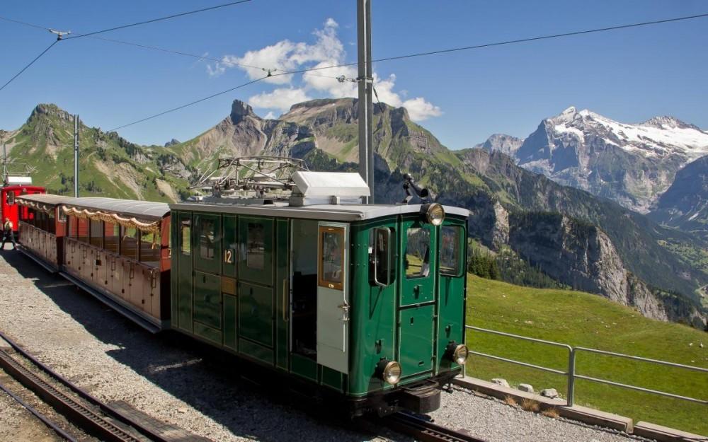 The vintage train to Schynige Platte