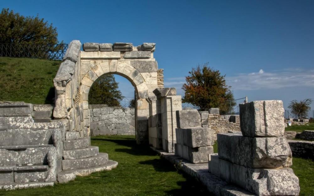 Molise, Pietrabbondante Sanctuary
