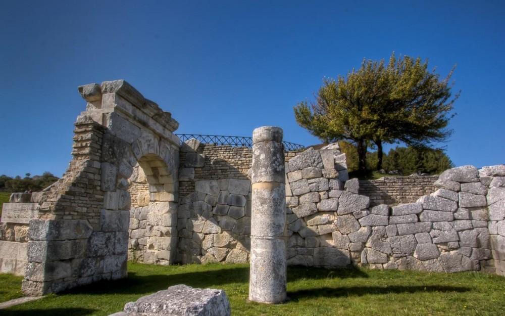 Molise, The Ruins of Pietrabbondante