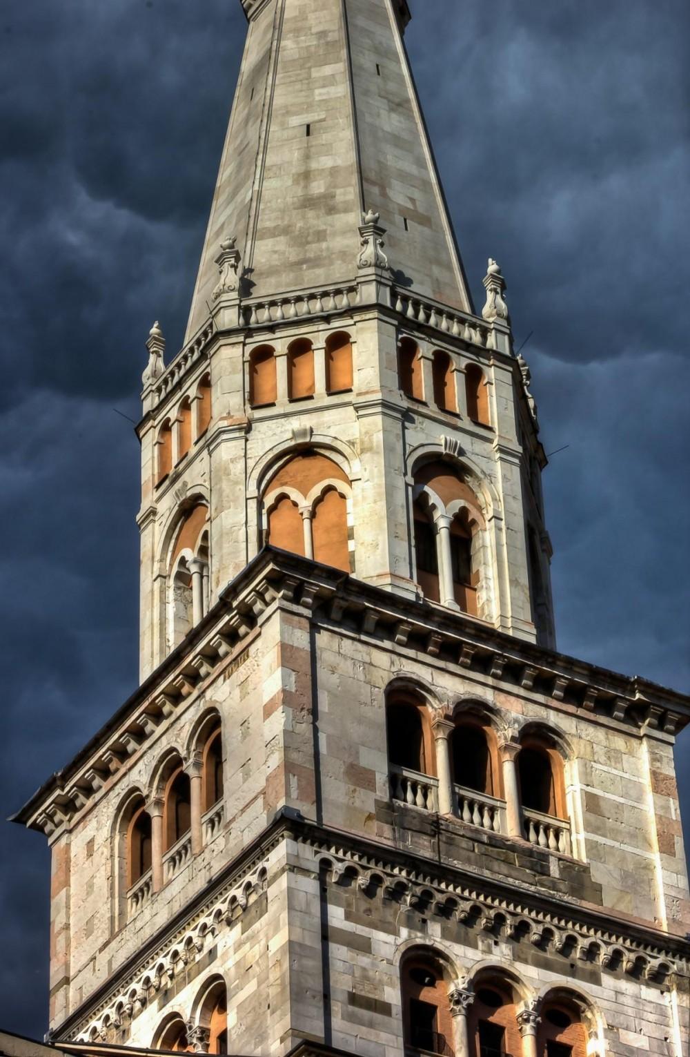 Modena Ghirlandina Tower