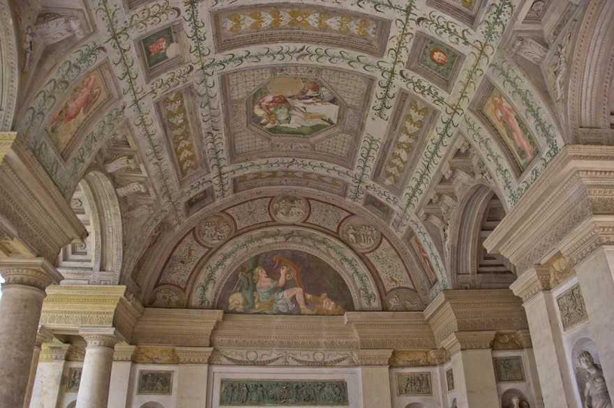 Mantova-Palazzo-Te-Loggia-di-Davide