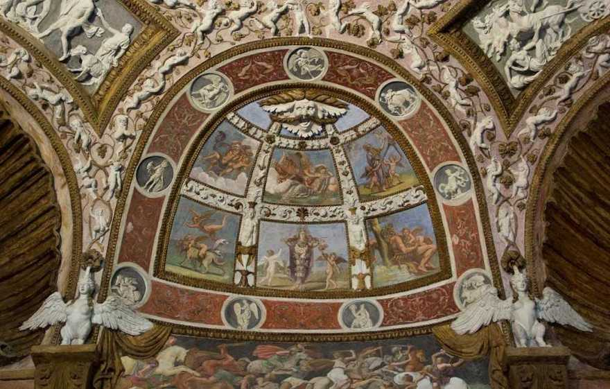 Mantua-Palazzo-Te-Camera-delle-Aquile