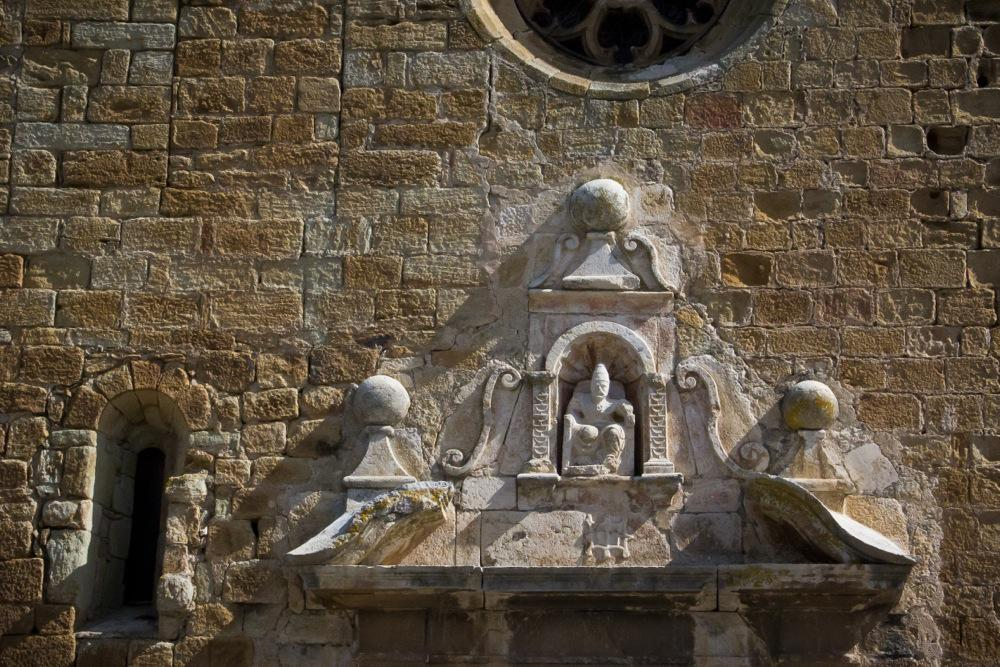 Sculptures-of-Pals-Cathedral