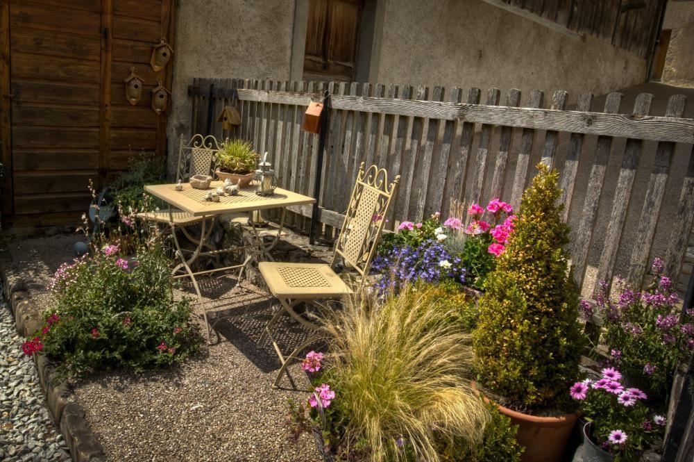 Gruyères, Pretty Garden