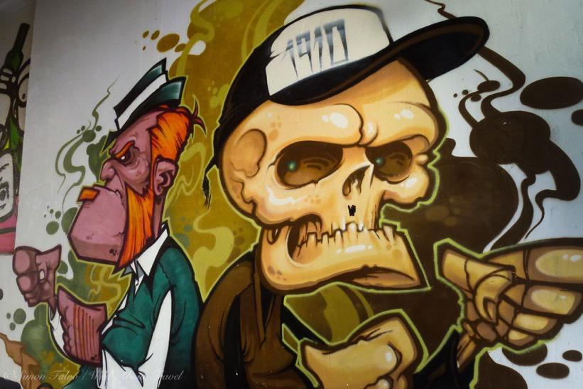 hamburg graffiti in st pauli quarter