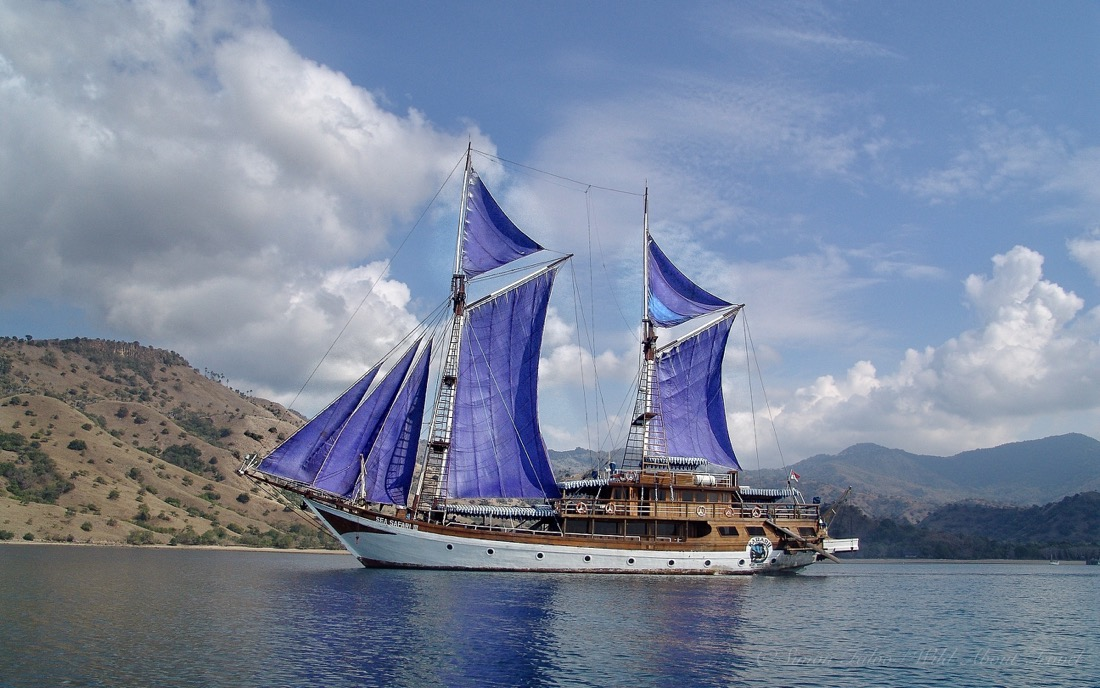 Sailing Komodo National Park