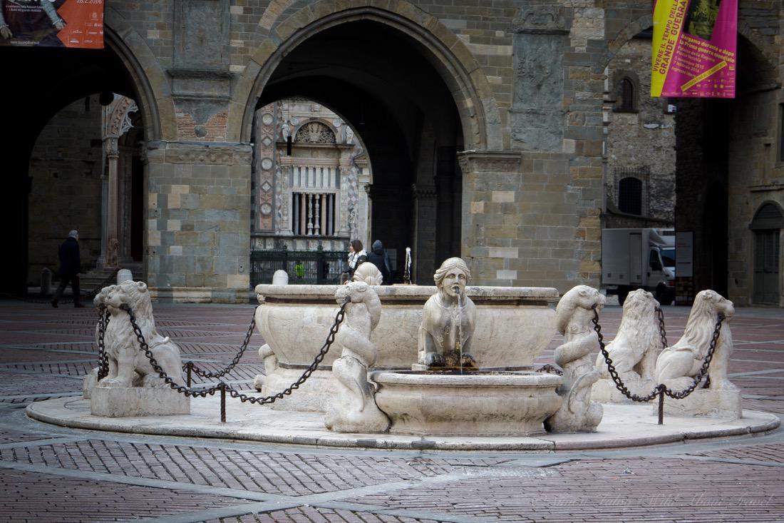 Bergamo, Fontana Contarini