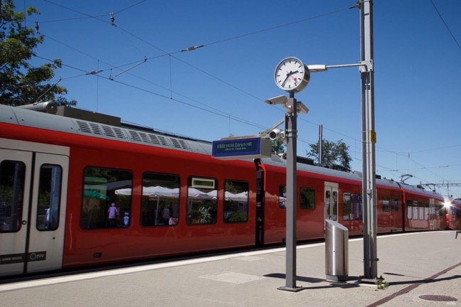 Red Train to Uetliberg