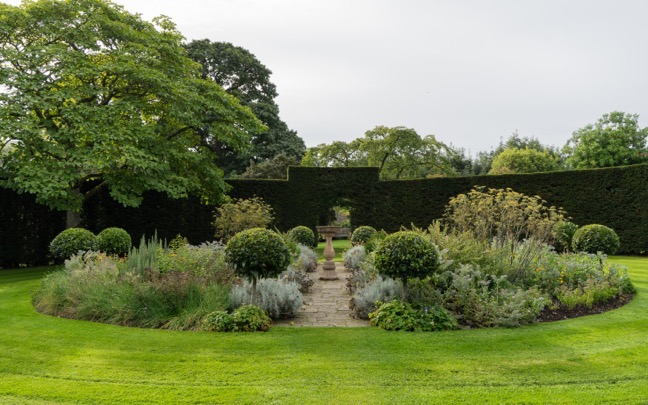 northern-ireland-glenarm-castle-walled-garden