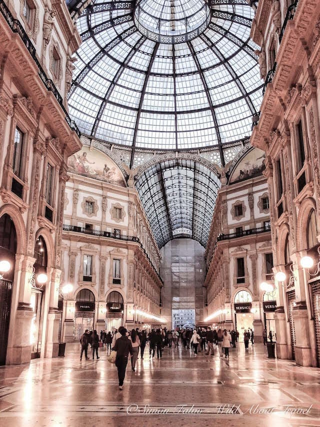 Milan Galleria Vittorio Emanuele at Night